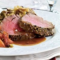 Recipe: Roast Beef Tenderloin in Red Wine Sauce